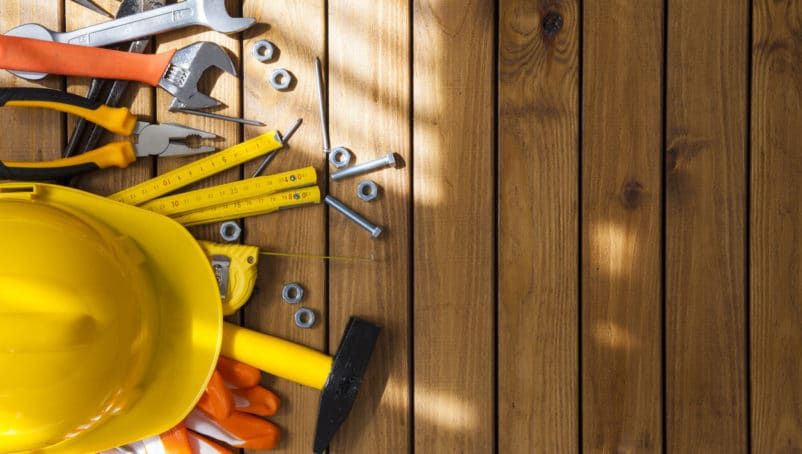 Finding the Best General Contractor Equipment, Tools and Apps for the Job