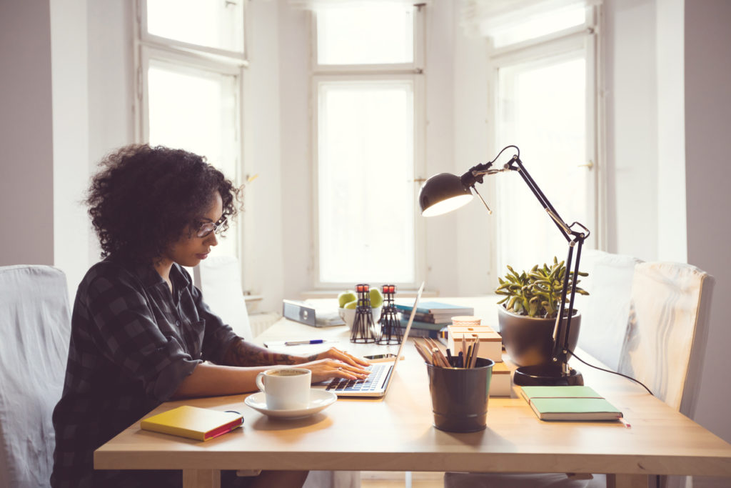 next insurance guide to contractor vs freelancer