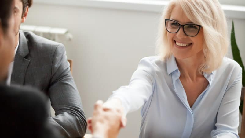 Pros and Cons of Hiring Independent Contractors vs Employee