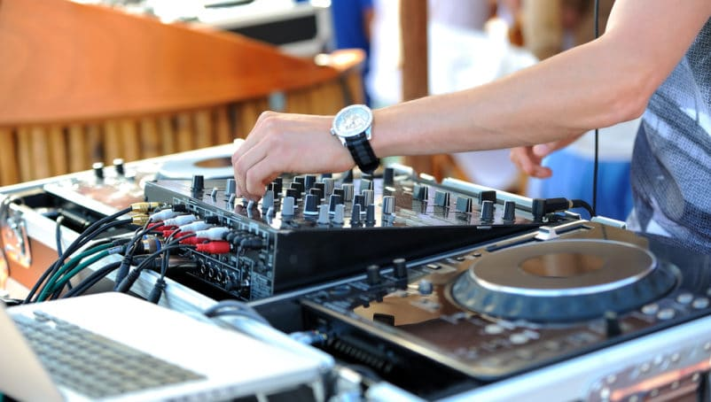 How to Get a Public Performance License for Your DJ Business