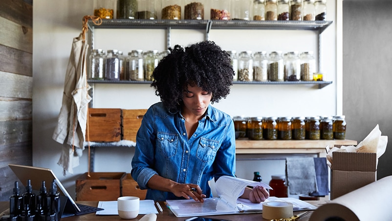 What Is a Commercial Insurance Plan and How to Choose One for Your Small Business?