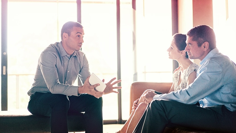 How to Deal with Angry Customers and Resolve a Conflict