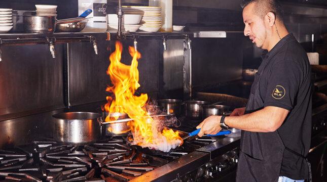 How to respond to negative restaurant reviews like a pro