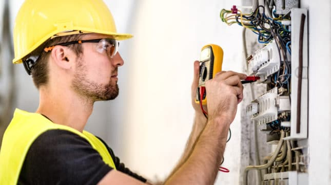 Starting an Electrician Business: Key Tips