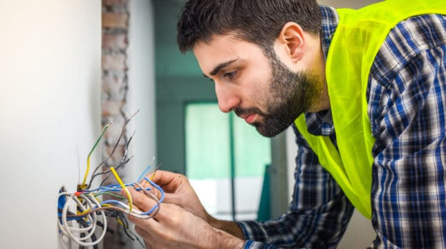 Why Electrician Insurance is a Must for Every Electrician