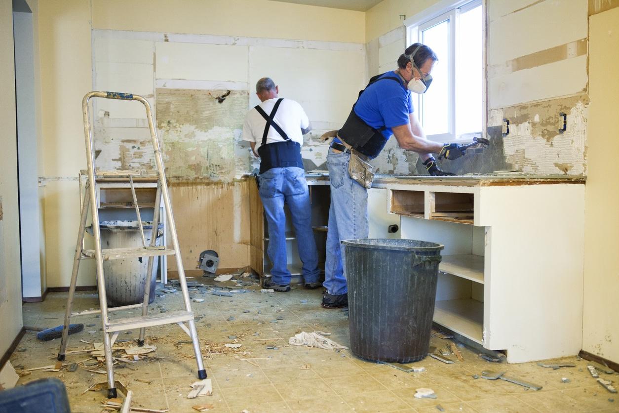 general contractor working