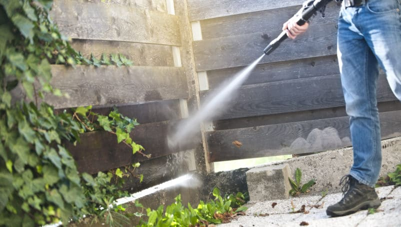 How and Where to Find the Best Pressure Washing Equipment